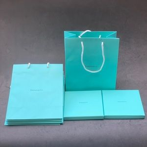 BUNDLE OF 9 TIFFANY&CO bags and boxes